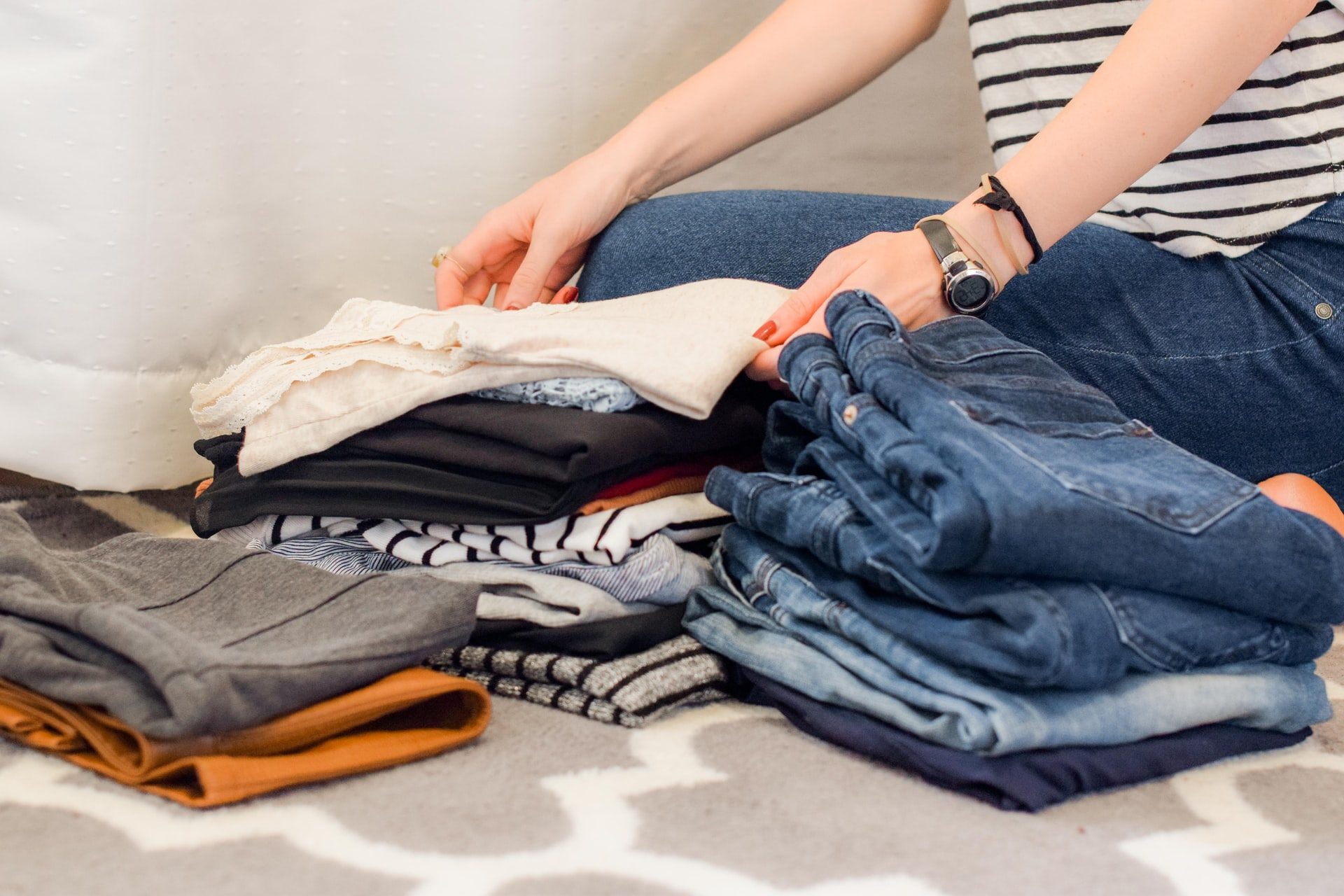 Own A Lot of Clothes? 5 Must-Know Packing Tips